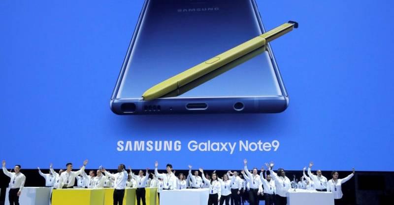 Samsung Galaxy Note 9 tanıttı