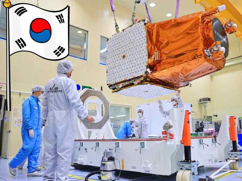 Kore uydu gonderiyor