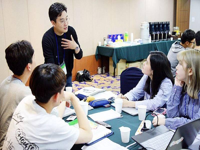 Kore'de 84 Üniversite Öğrencisizlikten Zarar Ediyor