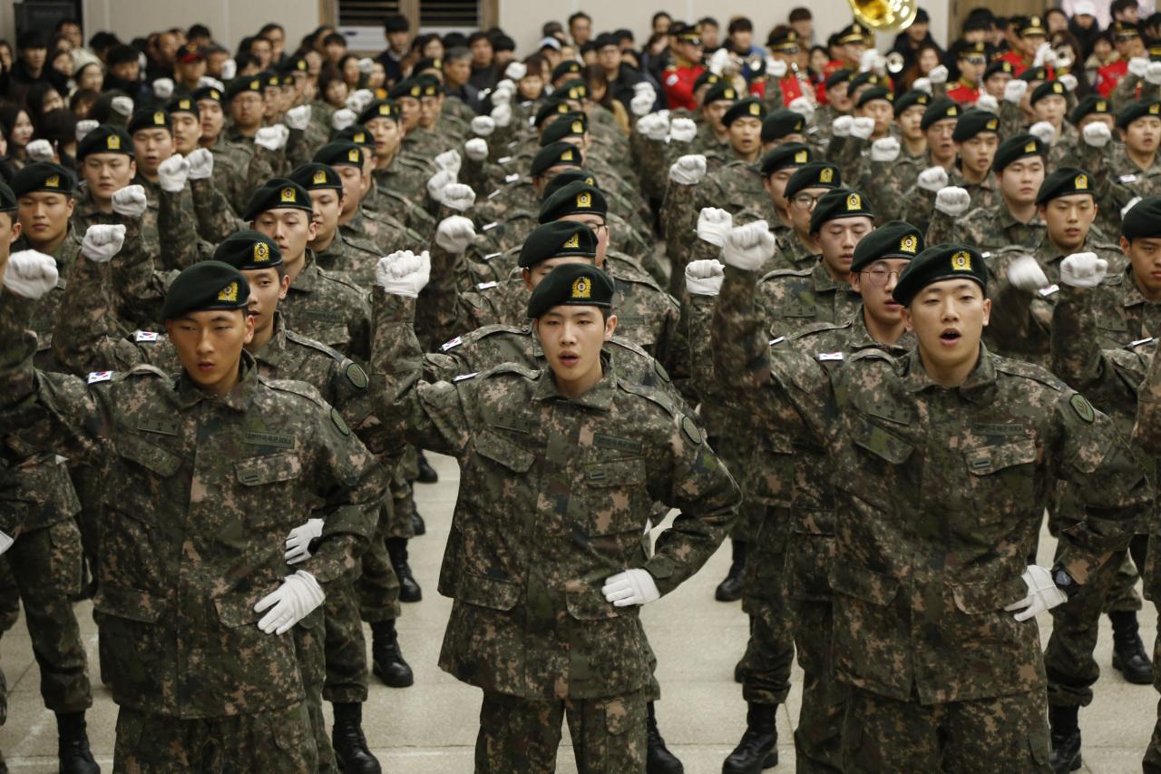 Kore'de Kadınlara da Zorunlu Askerlik Olsun Tartışması