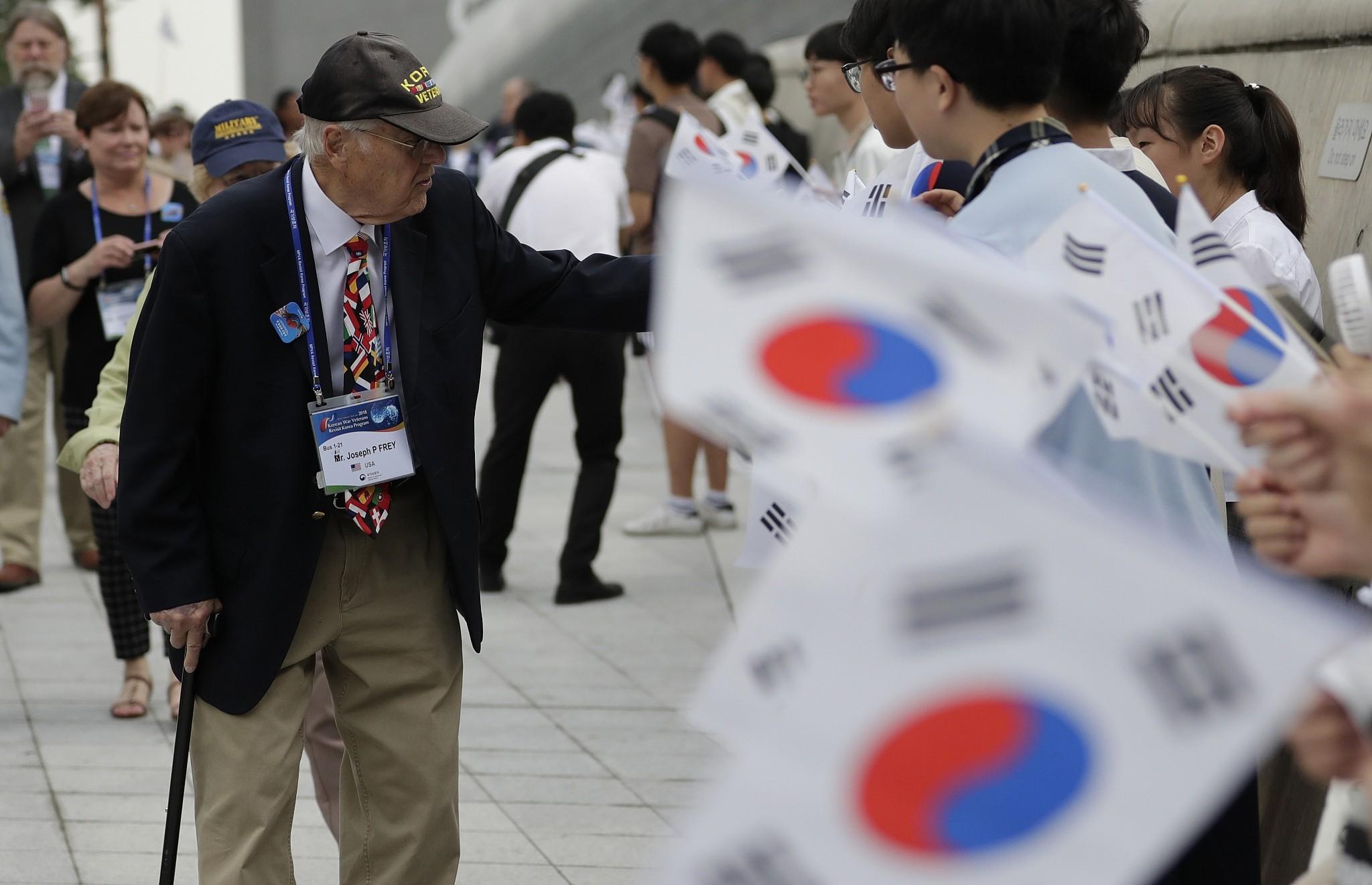 Kore, Bir 'K' tutturmuş Gidiyor Ama
